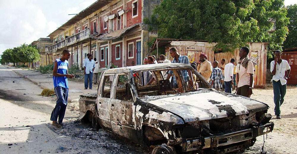 """مقتل قيادي بـ""""الشباب الصومالي"""" في غارتين أميركيتين"""