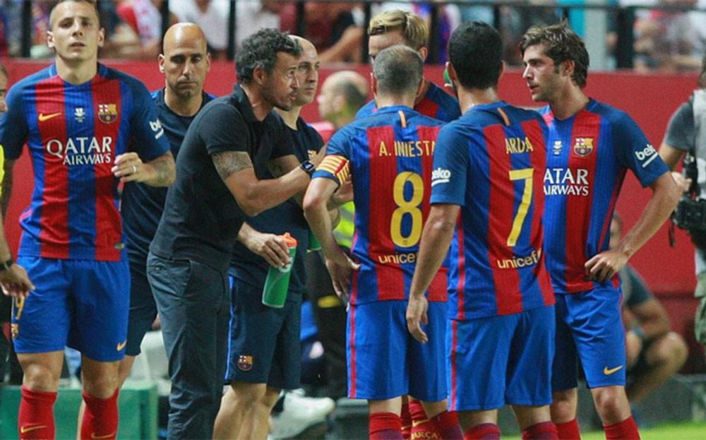 برشلونة يتلقى ضربتين في يوم واحد