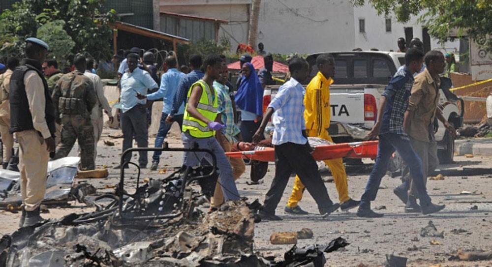 انتحاري يفجر نفسه أمام مسجد وسط مقديشو