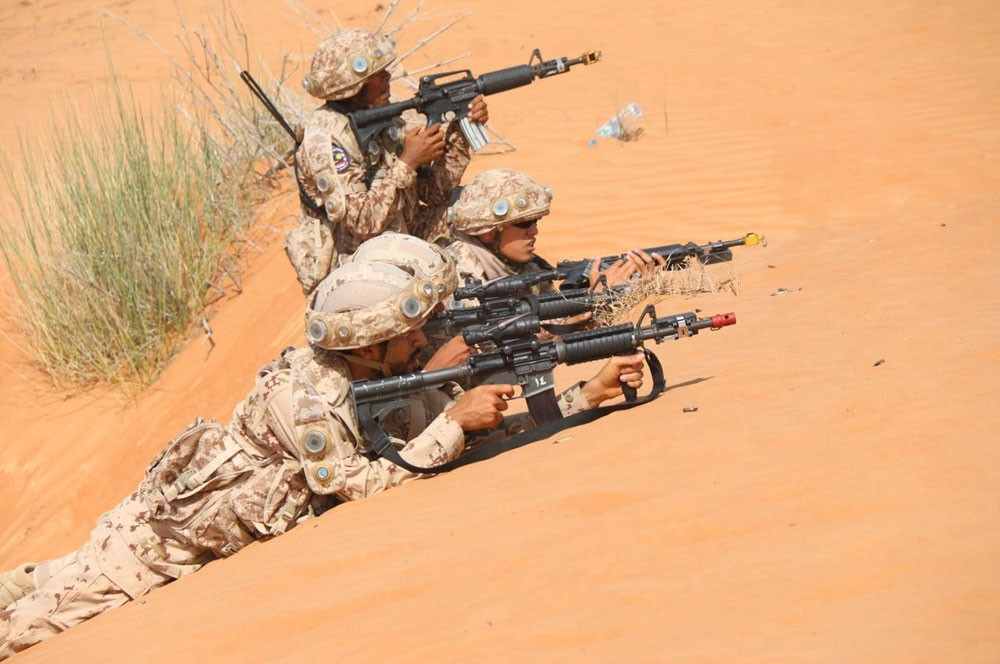 استشهاد 4 جنود إماراتيين إثر هبوط اضطراري لطائرتهم باليمن