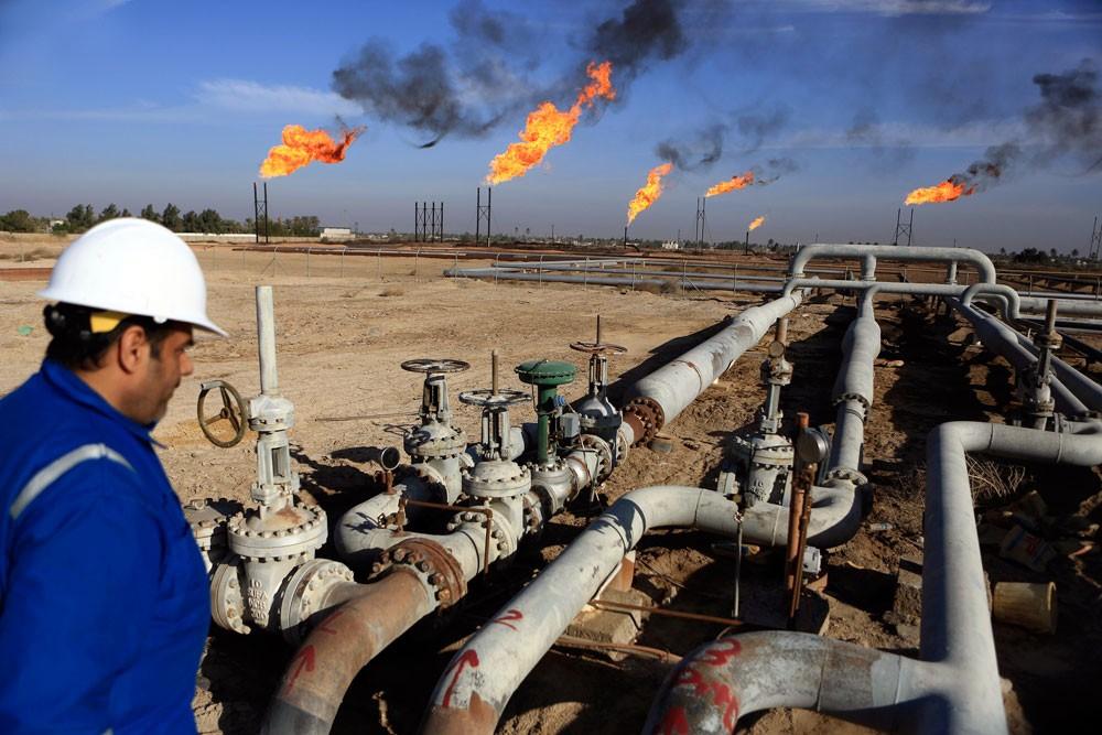 خطط خليجية تعزز أداء القطاع الصناعي مع خسائر النفط