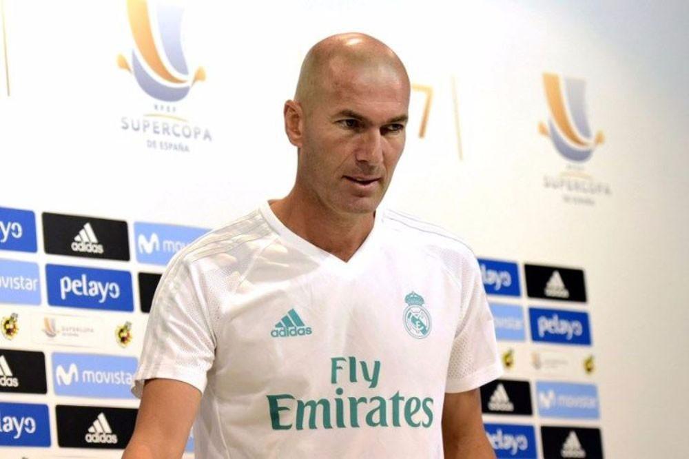 زيدان يوافق على تمديد تعاقده مع ريال مدريد