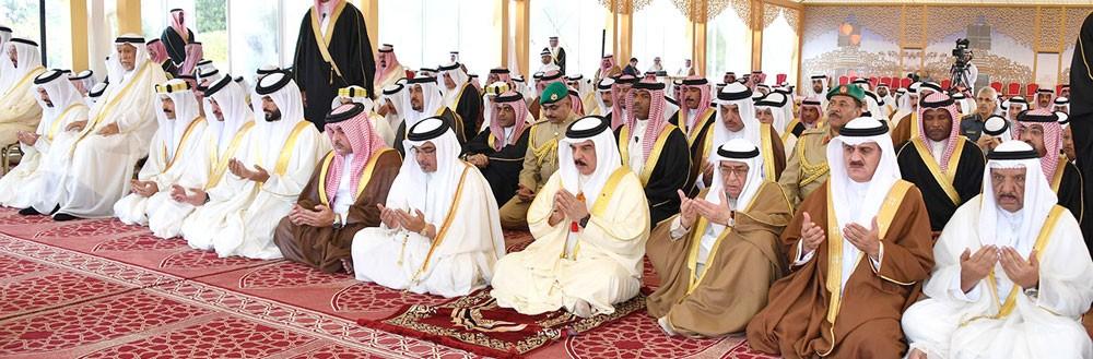 جلالة الملك المفدى يشارك جموع المصلين أداء صلاة عيد الأضحى المبارك