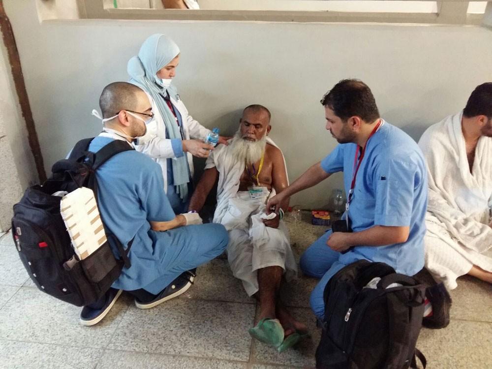 إسعاف حجاج تعرضوا لإغماء ونزيف بالأنف وإجهاد