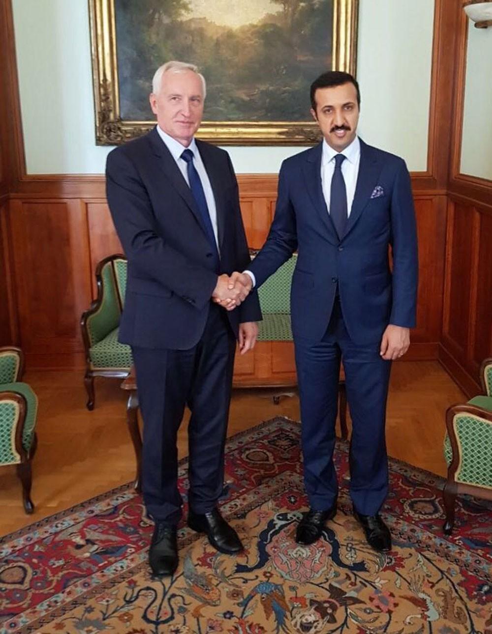 عبدالله بن أحمد يبحث تعزيز التعاون المشترك بين البحرين وهنغاريا
