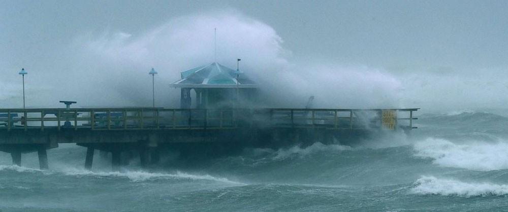 """إعصار """"إرما"""" يقتل 3 أشخاص في فلوريدا الأمريكية"""