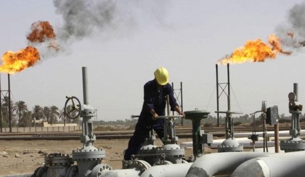 إيران ترفع إنتاج النفط إلى 4.5 مليون برميل يومياً خلال 5 سنوات