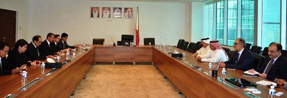 """""""وزير الصناعة"""" يجتمع برئيس مجموعة الصداقة البرلمانية التايلندية البحرينية"""