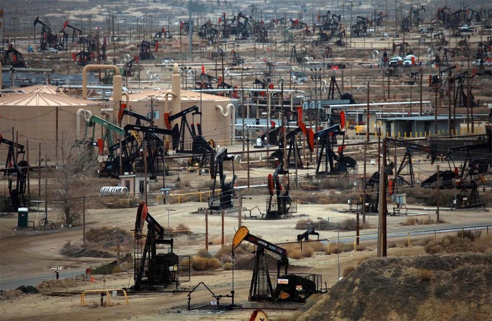 معهد البترول: مخزونات النفط الأمريكية ترتفع 6.2 مليون برميل في أسبوع