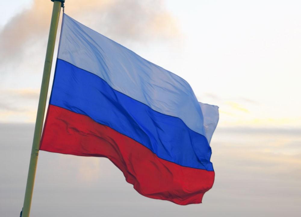 روسيا وفنزويلا تؤكدان إلتزامهما باتفاق عالمي لخفض إنتاج النفط