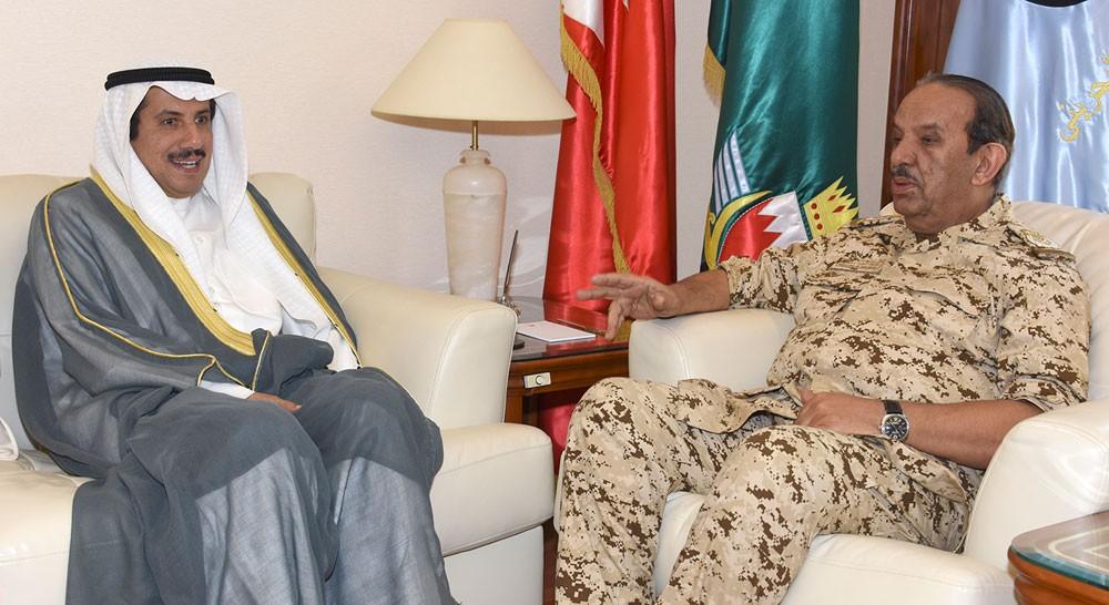 القائد العام يستقبل سعادة سفير دولة الكويت الشقيقة