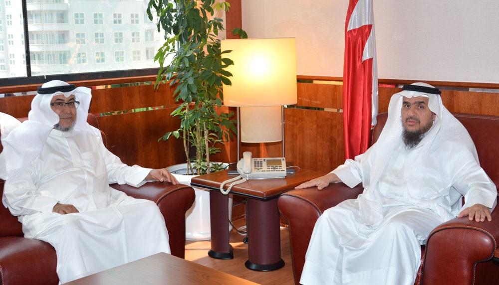 رئيس ديوان الخدمة المدنية يستقبل وزير شئون مجلسي الشورى والنواب