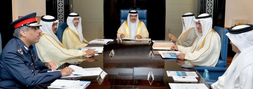 وزير الداخلية يجتمع بالمحافظين