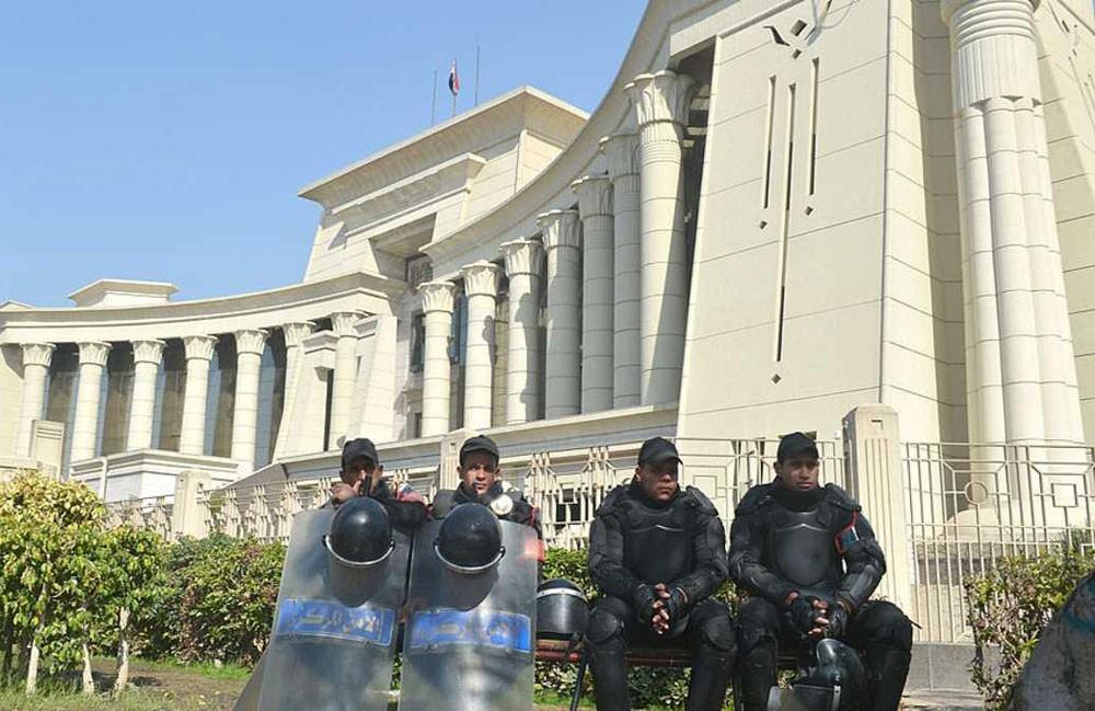 "مصر.. صدور حكم بحق مدير عام ""فاسد"""