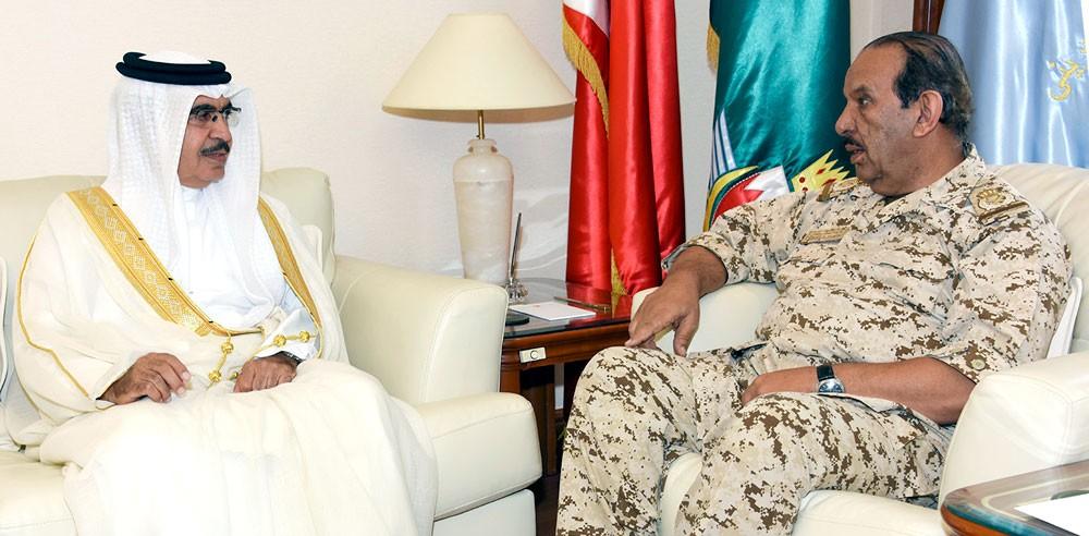 القائد العام يستعرض مع وزير الداخلية التعاون المشترك