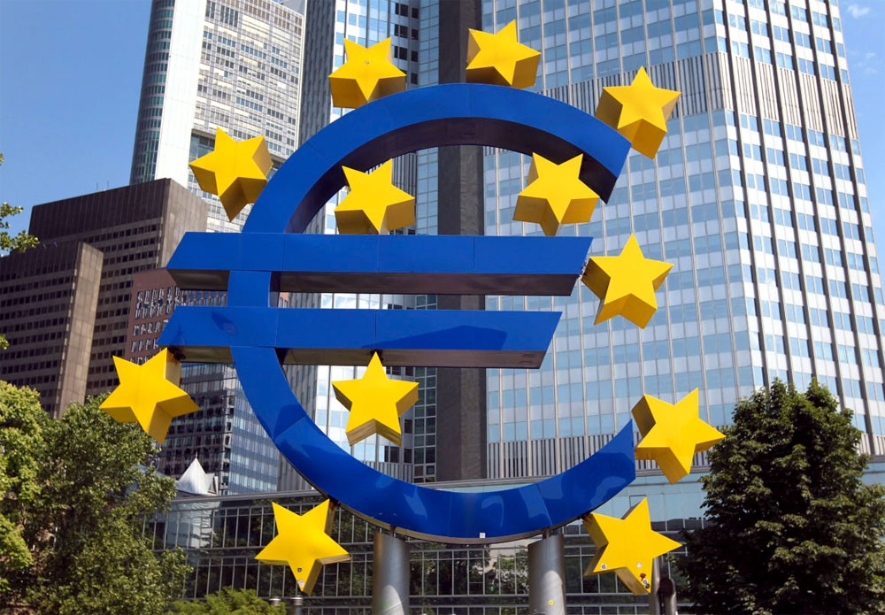 المعنويات الاقتصادية بمنطقة اليورو تقفز لأعلى مستوى في 10 سنوات