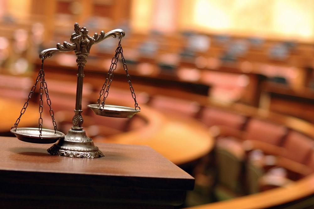 محامي مُختلس الـ 97 ألف يدعي إصابة موكله بالسحر والشعوذة