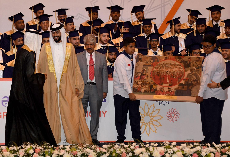 ناصر بن حمد يحضر حفل تخريج الفوج الأول لطلبة مركز ناصر للتأهيل