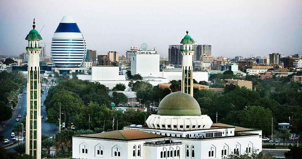 """السودان يعود إلى """"التوقيت الدولي"""""""