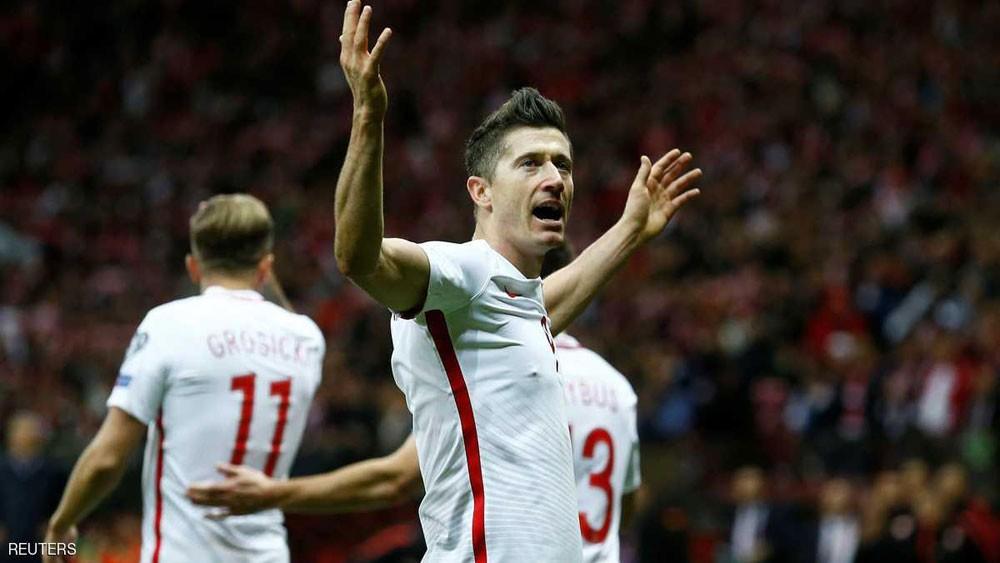 """بولندا إلى """"مونديال 2018"""" بفضل هدافها الذهبي"""
