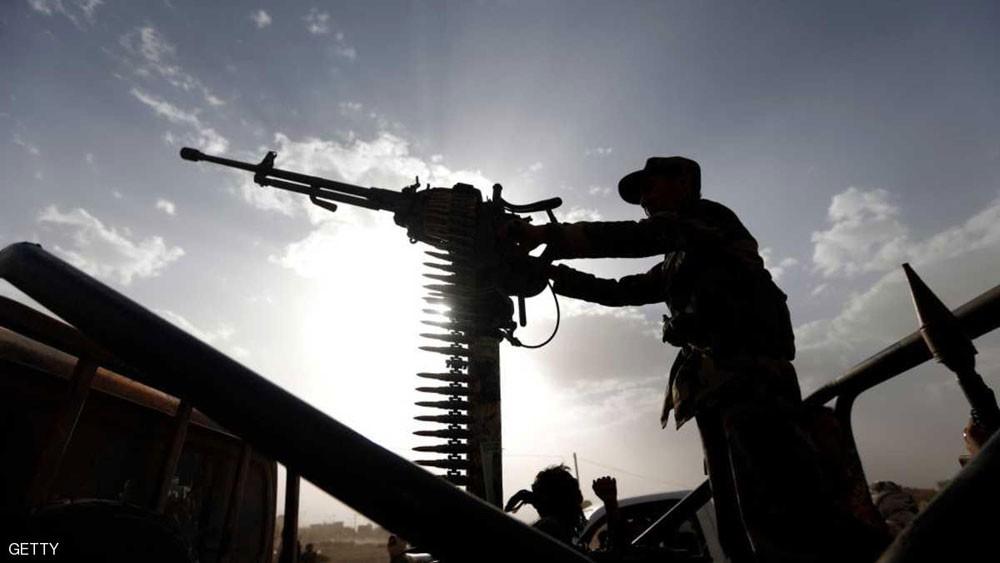 10 شاحنات مساعدات دولية لتعز في قبضة الحوثي