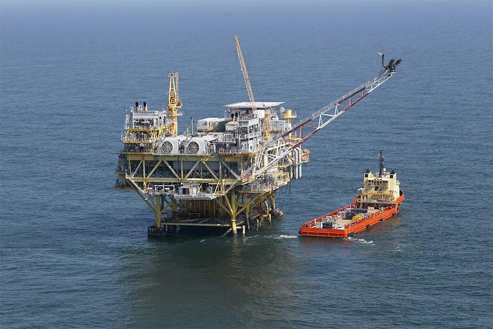 استمرار توقف 58% من انتاج النفط الأمريكي في خليج المكسيك