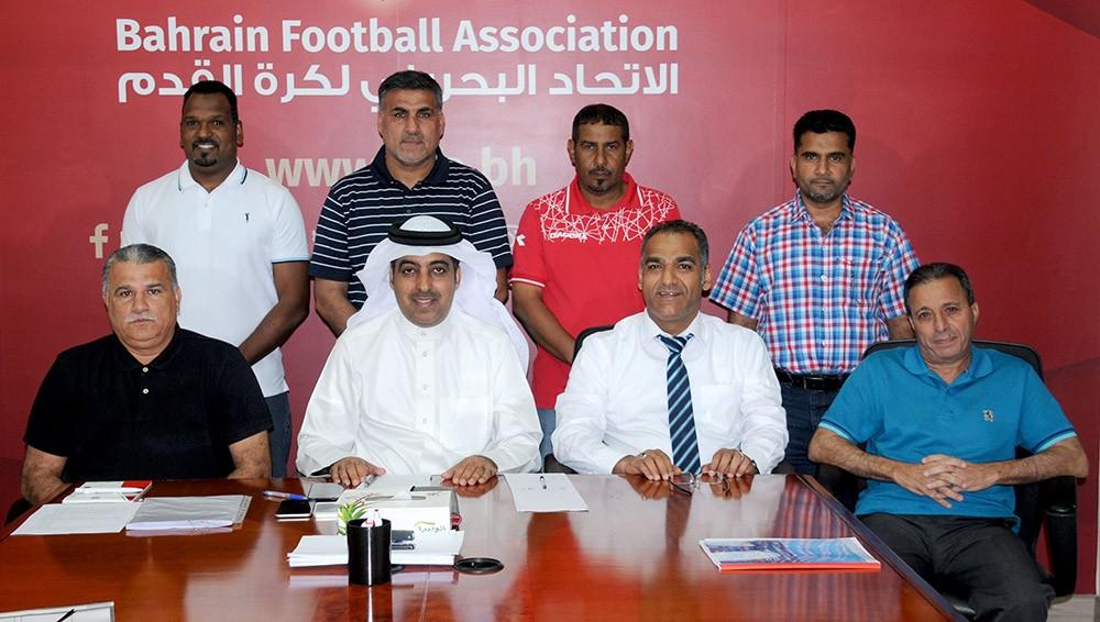 مجموعة الزيارات الميدانية لفئات الأندية الكروية تعقد اجتماعًا دوريًا