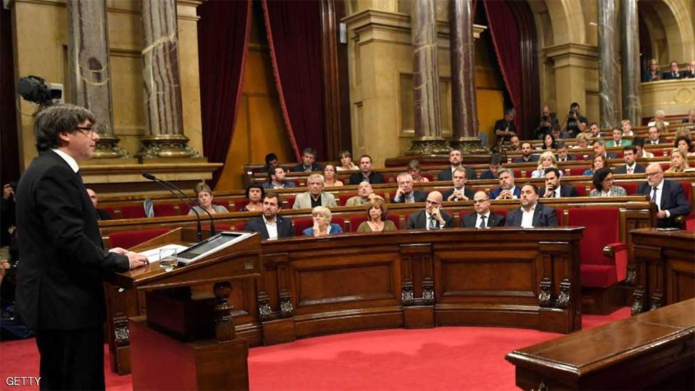 """حكومة كاتالونيا تتحدث عن استقلال """"رمزي"""""""