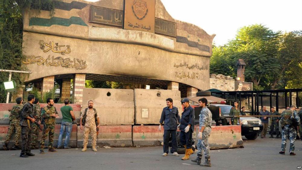 داعش يتبنى الهجمات الانتحارية على مقر قيادة شرطة دمشق