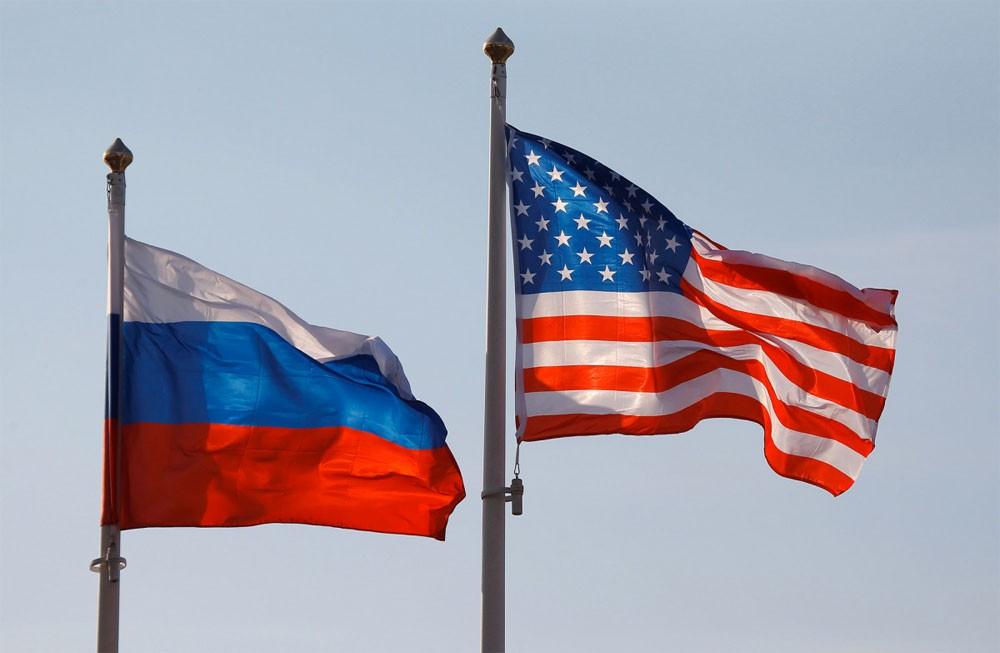 إدانة روسية لسحب أعلامها من مباني بعثاتها المغلقة بأميركا