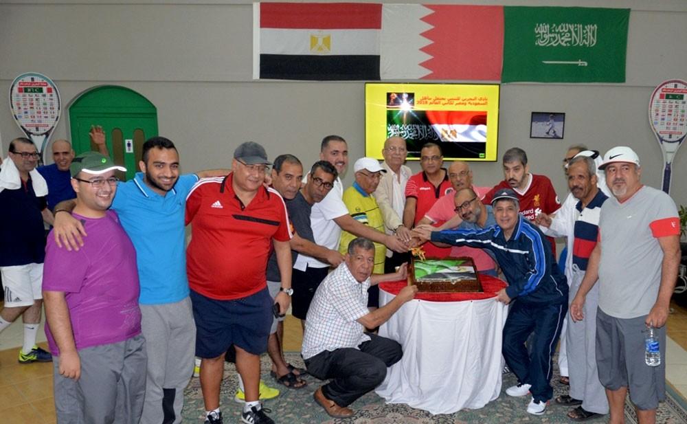 نادي البحرين للتنس يحتفل بتأهل السعودية ومصر لمونديال روسيا 2018