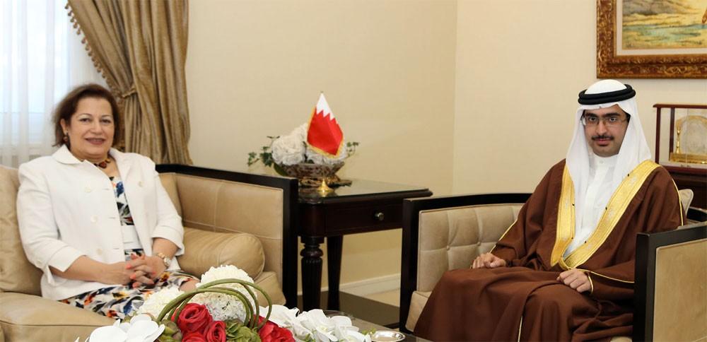 محافظ الجنوبية يشيد بالعلاقات الاستراتيجية بين البحرين ومصر