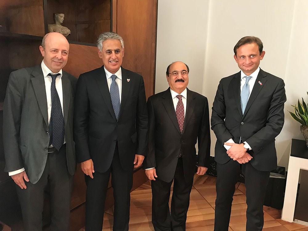 وزير الصناعة والتجارة والسياحة يزور بورصة إيطاليا