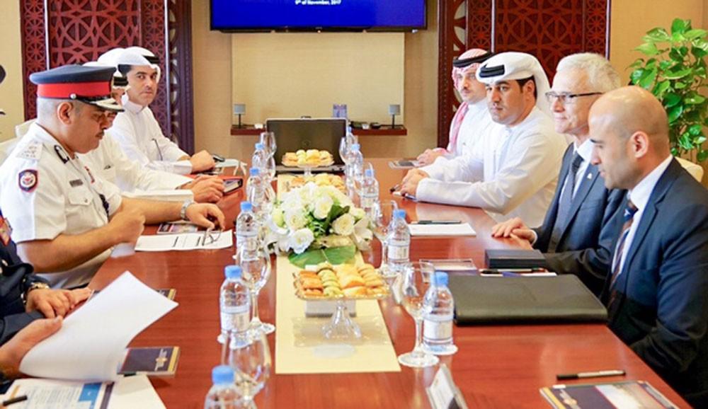 """الحسن يستعرض مع """"الانتربول"""" جهود خفض معدل الجريمة في البحرين"""