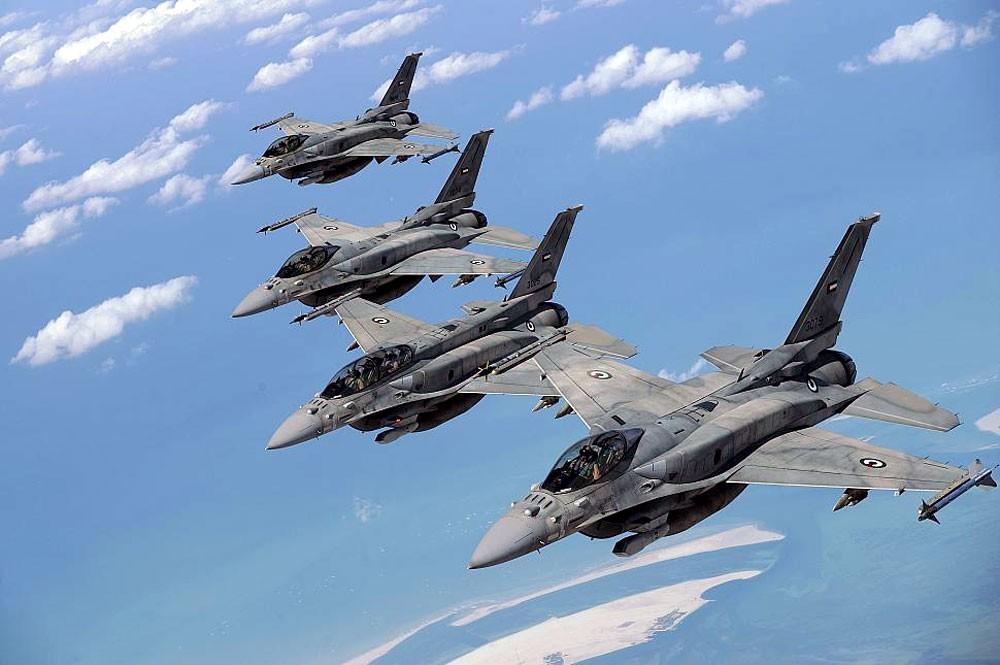 """""""الدفاع"""" الإماراتية توقع صفقة مع لوكهيد لتحديث مقاتلات"""