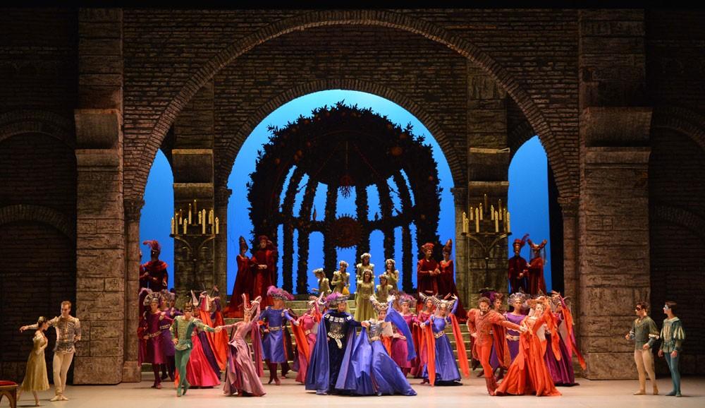 مسرح البحرين الوطني يحتفي بذكرى تأسيسه الخامسة