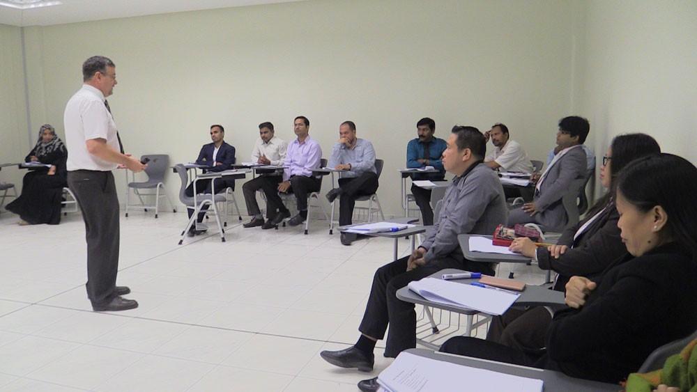 معهد البحرين يزود 34 من مدربيه بأحدث استراتيجيات التعليم والتدريب