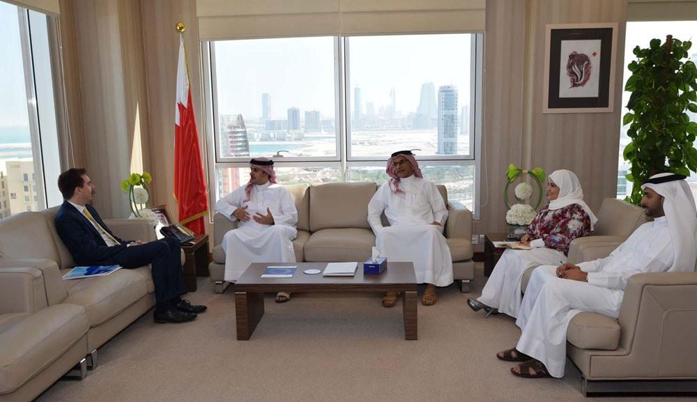 الأمين العام للتظلمات يلتقي مندوب اللجنة الدولية للصليب الأحمر