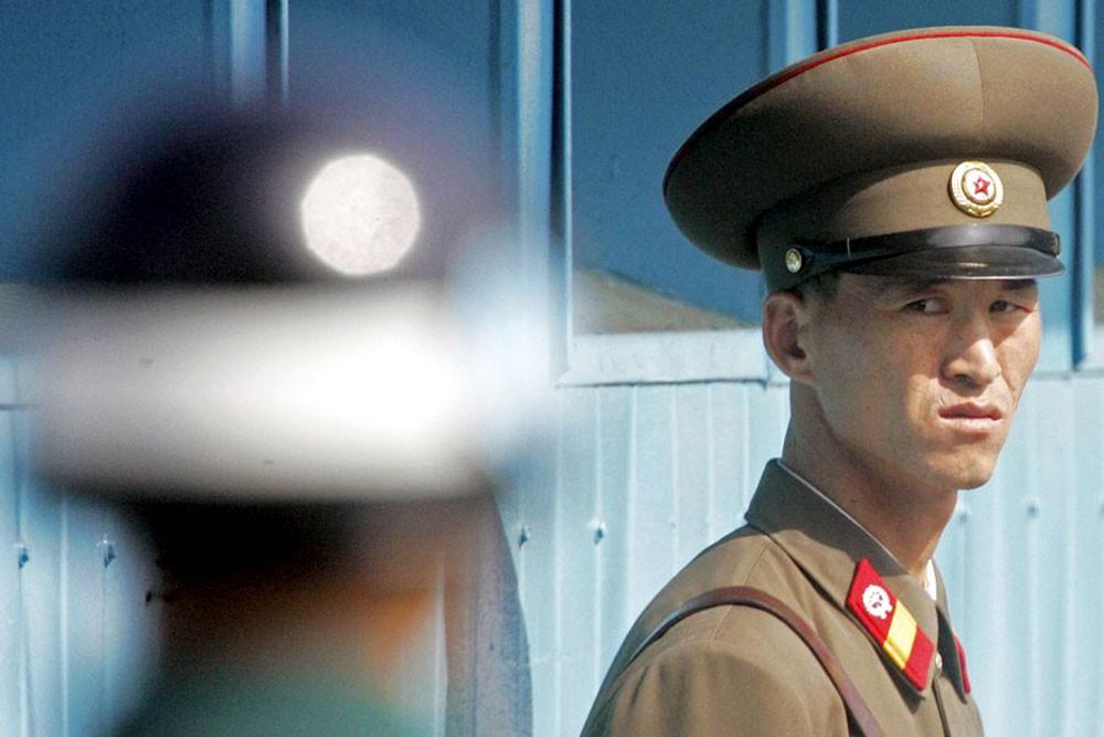 سيول: كوريا الشمالية تطلق النار على جندي حاول الانشقاق
