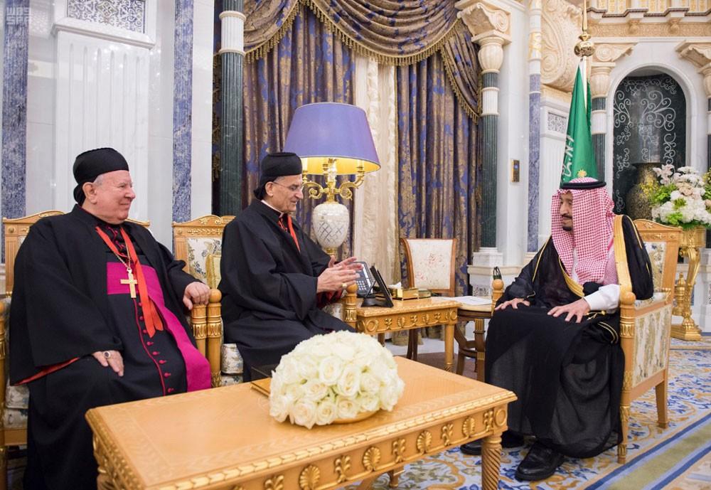 الملك سلمان يستقبل البطريرك بشارة الراعي