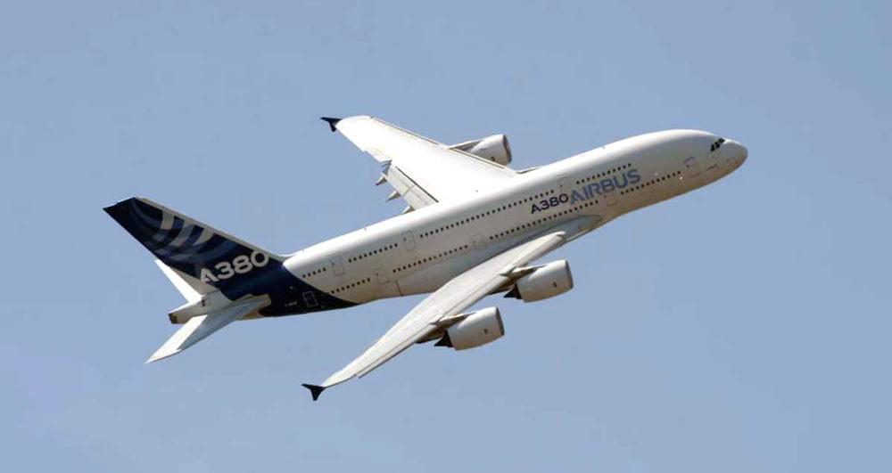 """صفقة """"تقلب"""" قطاع الطيران منخفض التكلفة بالعالم"""