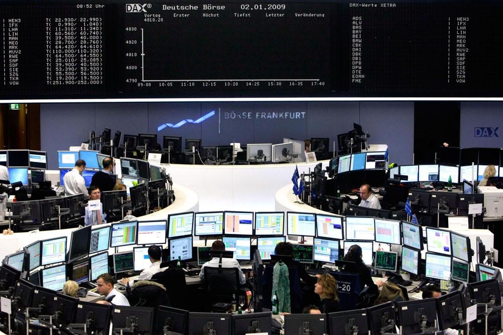 أسهم أوروبا تنهي الشهر على انخفاض بفعل مبيعات لجني الأرباح