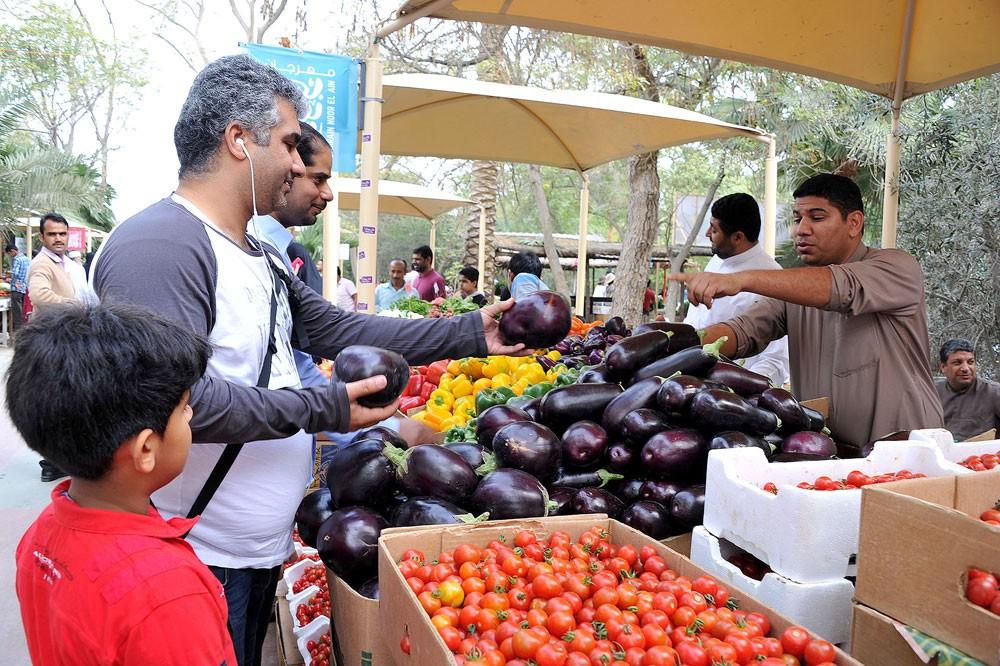 افتتاح سوق المزارعين في نسخته السادسة