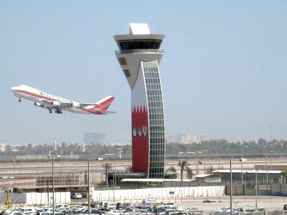 كثرة أوامر الصيانة المتعلقة بمعدات جسور الركاب بالمطار بـ 1.1 مليون دينار