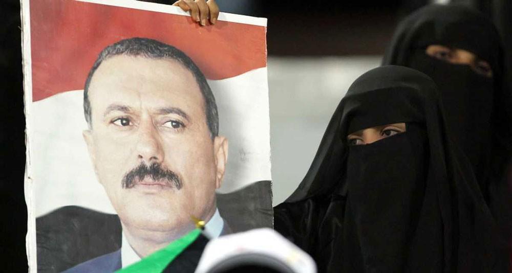 "دفن صالح ""بصمت"" في مسقط رأسه"