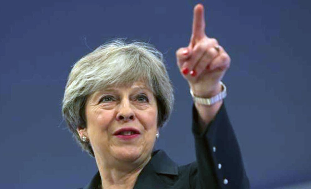 لندن تحاكم رجلين في مخطط اغتيال ماي