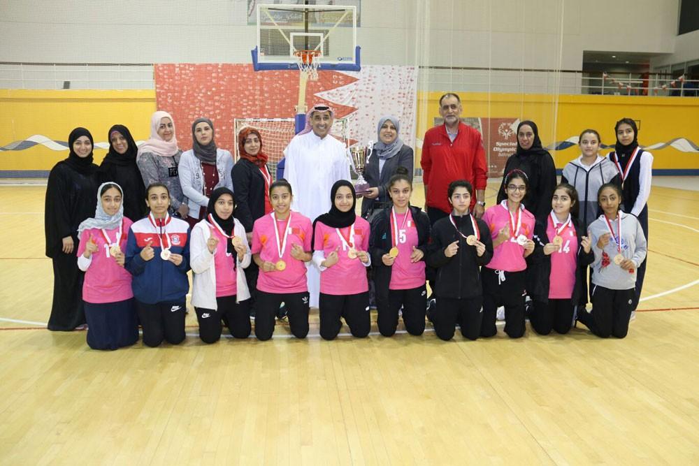 مدرسة مدينة عيسى تحقق بطولة كرة السلة لبنات الثانوي