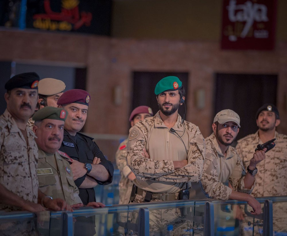 """قائد الحرس الملكي وقائد تمرين """"حرس المملكة 1"""" يشهدان فعاليات التمرين بمجمع السيف"""