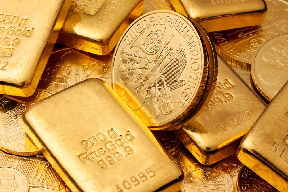 الذهب ينخفض لأدنى مستوى في 4 أشهر