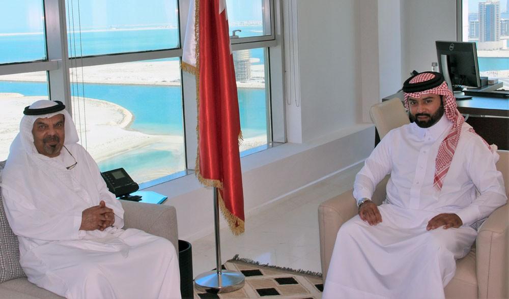 فيصل بن راشد يستقبل سفير الإمارات